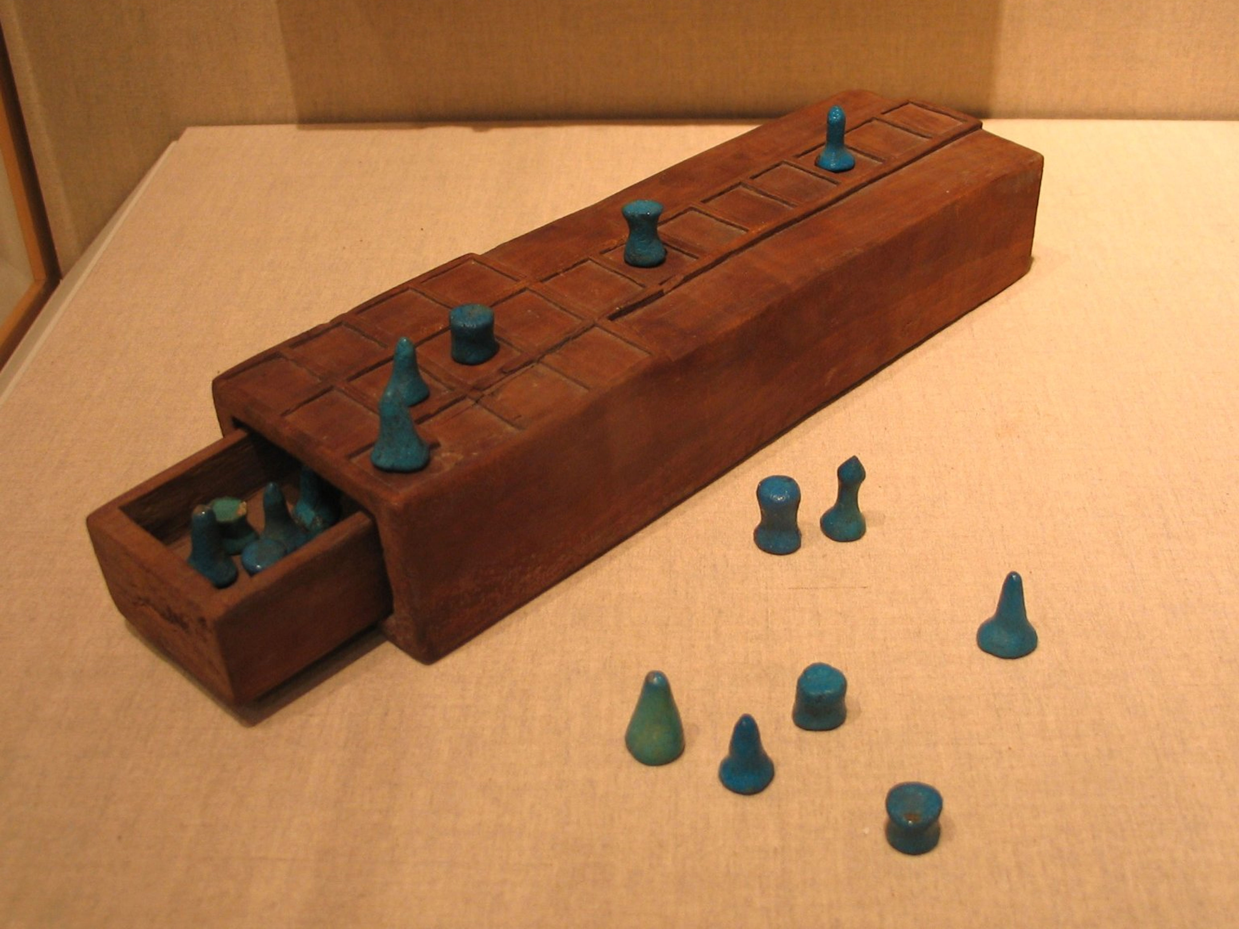 Wooden Aseb Game of 18th Dynasty - Brooklyn Museum - 37.93E, 37.94E